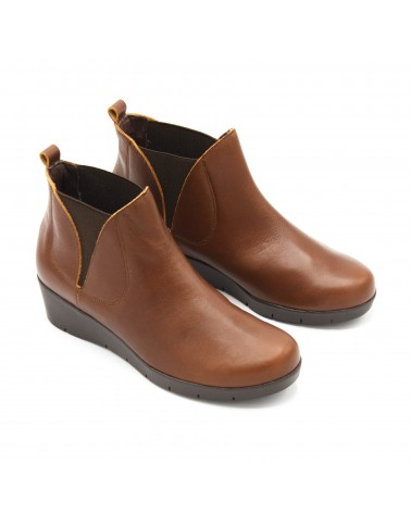 Elastic wedge leather boot