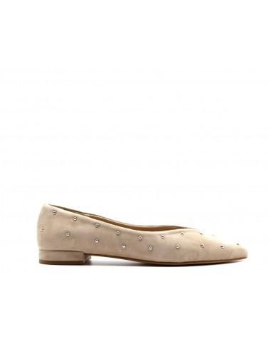 zapato tachuelas ante beige
