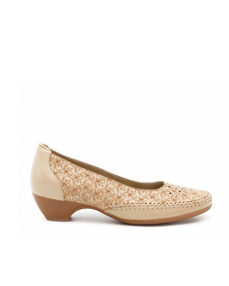 Zapato calado beige