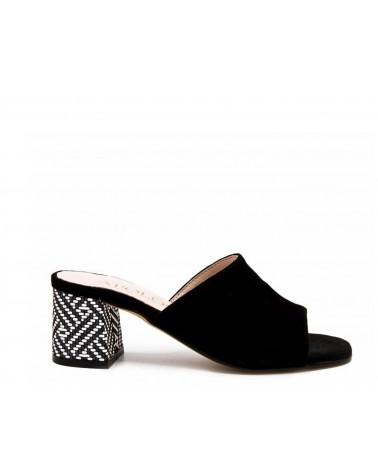 Clog with heel