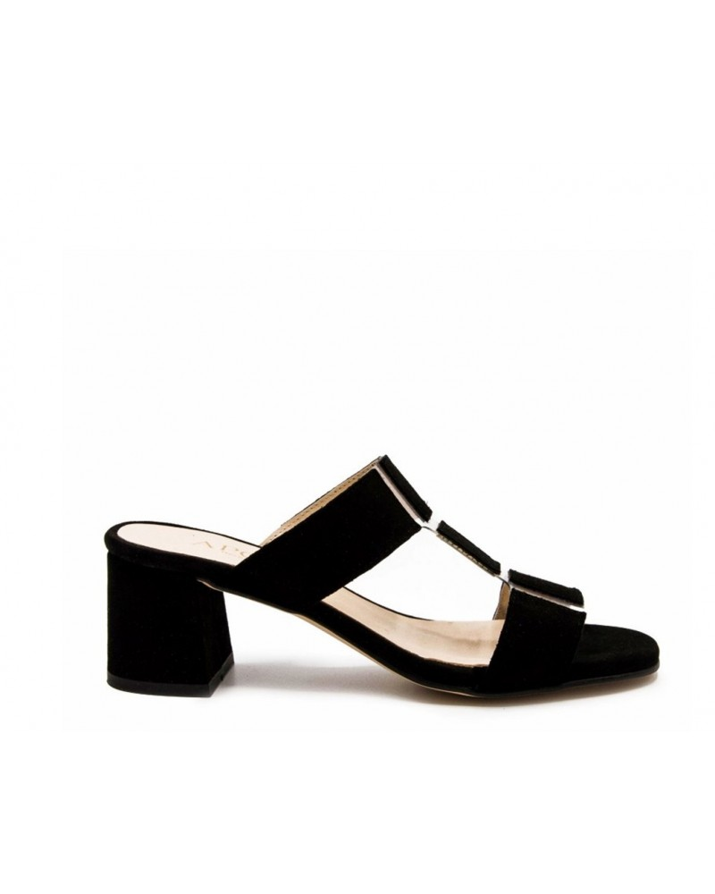 Clog with black heel