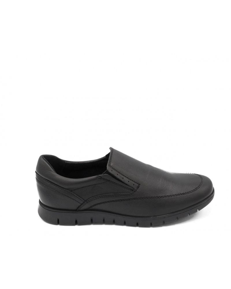 Shoe with black elastic