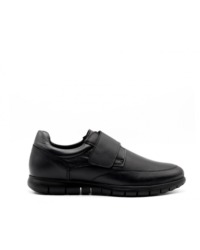 Zapato con velcro negro