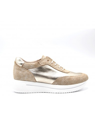 Sneaker combinado dorado