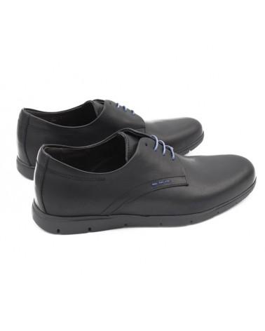Shoe with laces black