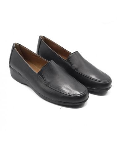 Zapato negro con copete