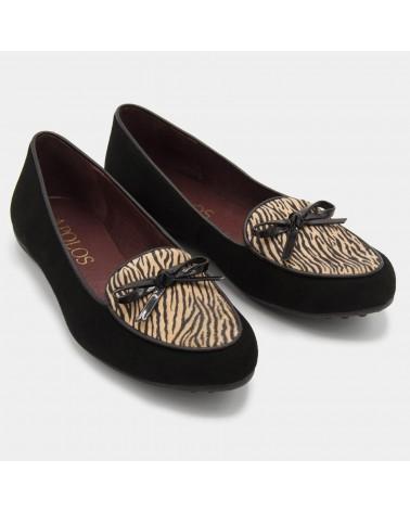 Animal print shoe with ribbon